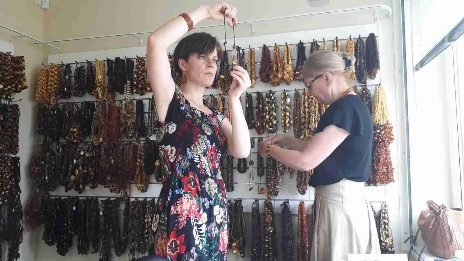 selezione dei gioielli d'ambra